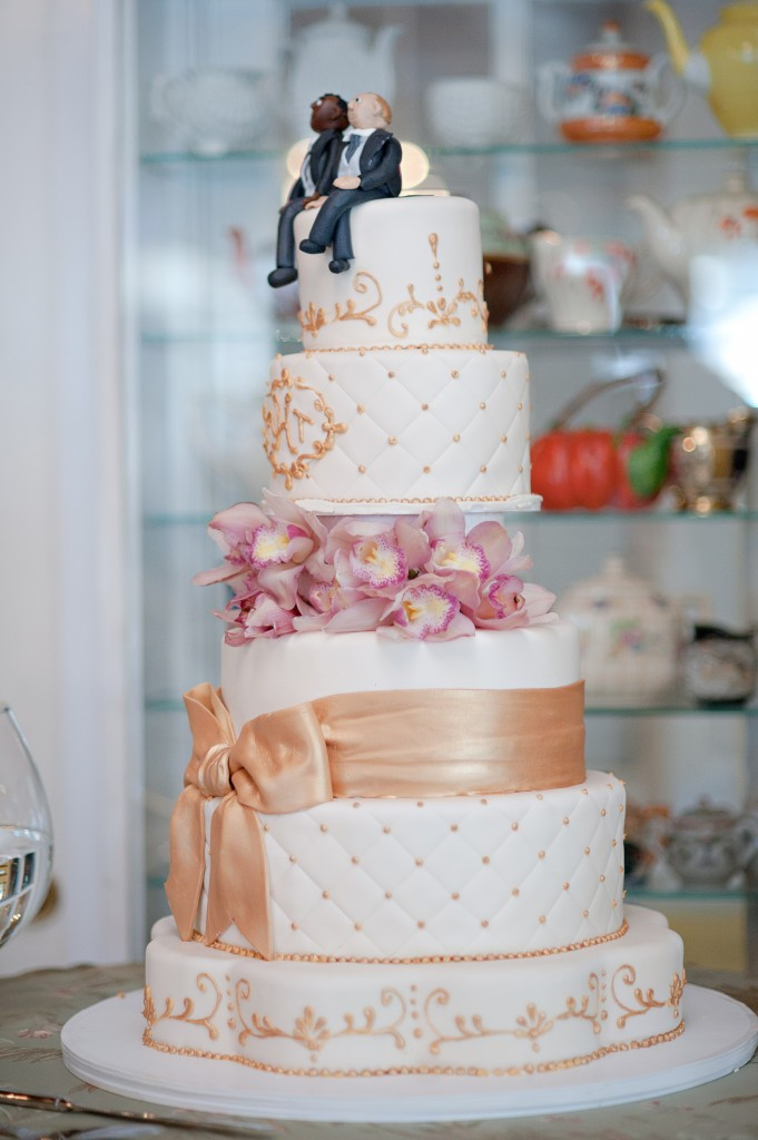 wedding cake - commitment