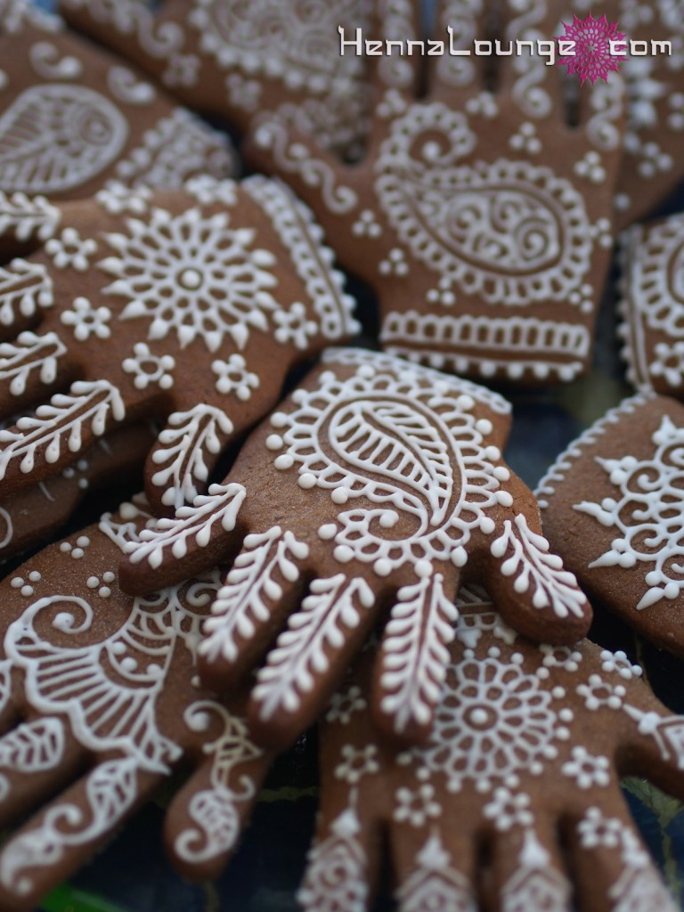 photo of mehndi inspired cookies